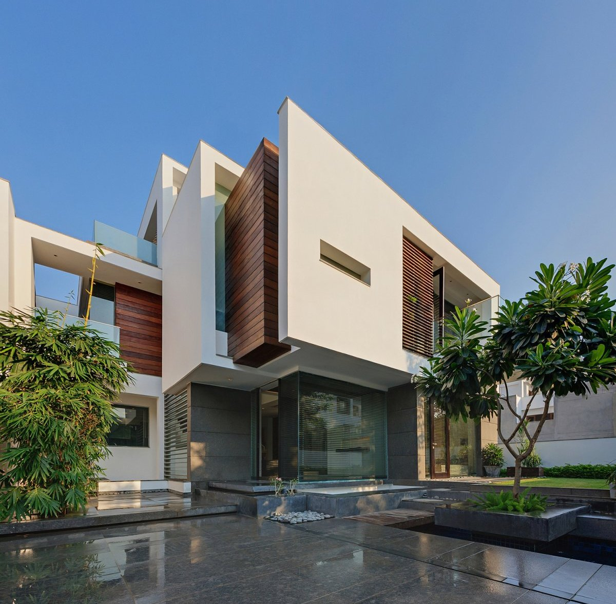 Dadaistic house in new delhi for Architecture design for home in delhi